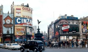 piccadilly-circus-1968-london-440x260